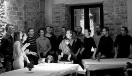 Singing, dir. Nathalie Rosseti, Turi Finocchiaro