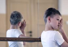 DANCING FOR YOU | dir. Katarzyna Lesisz