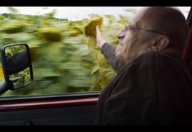 """WYWIAD Z MARCELEM ŁOZIŃSKIM – AUTOREM FILMU """"OJCIEC I SYN W PODRÓŻY"""""""